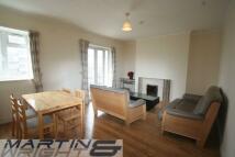 3 bedroom Flat to rent in Warwick Lodge...