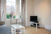 Flat to rent in Fairhazel Gardens...