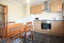 2 bedroom Flat in Fairhurst...