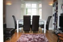 3 bed Flat in Golders Court...