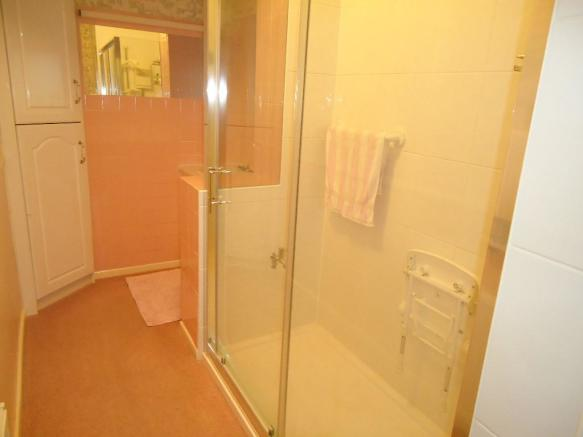 G.F Shower Room