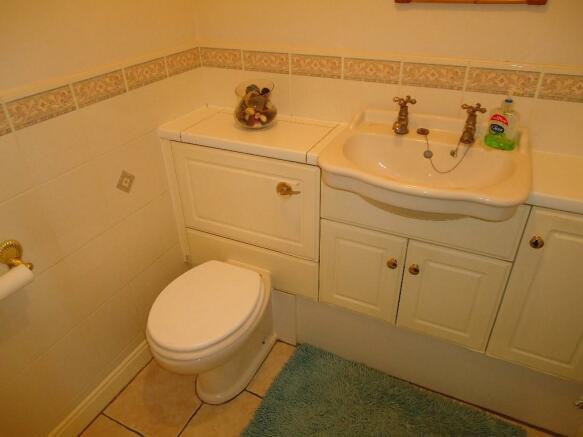 G F Washroom