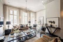 Maisonette for sale in Onslow Gardens...