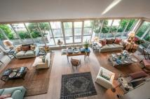 4 bed Flat for sale in Bailey House...