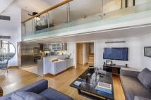 2 bed Flat for sale in Hans Crescent, London...