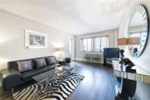 Flat to rent in Hans Crescent...
