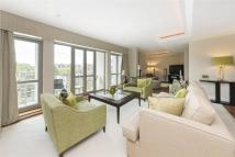 3 bed Flat in Lancelot Place...