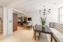 3 bed Mews in Pavilion Road, London...