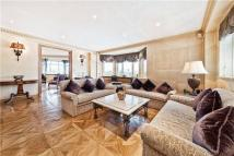 5 bedroom Flat to rent in Kingston House North...