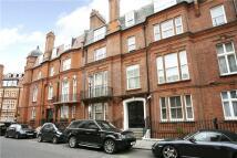 2 bed house in Herbert Crescent...