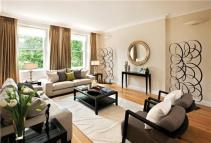 Flat to rent in Princes Gardens, London...