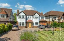 6 bed Detached home in BROOKMANS AVENUE...