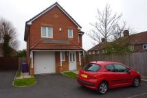 semi detached home to rent in Torpoint Close, L14 8WY