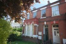 2 bedroom Apartment in Queens Road, Wimbledon...