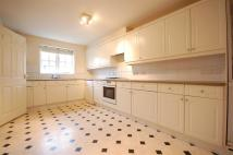 3 bed property to rent in Garth Road, Morden...