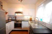 Apartment to rent in Burns Close, Wimbledon...