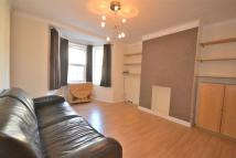 Apartment in West Barnes Lane...