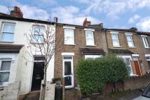 2 bed home to rent in Croft Road...