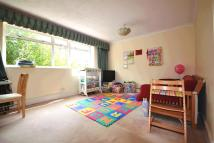 2 bedroom Flat in South Park Road...