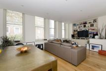 Flat to rent in Goswell Road, Islington...