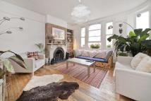 Apartment to rent in Green Lanes Islington N16
