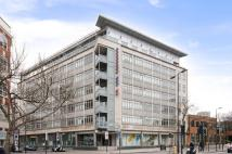 3 bedroom Flat in City Reach, 22...
