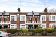 Flat to rent in Wallace Road, Islington...