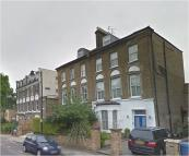 3 bedroom Maisonette to rent in Hungerford Road London
