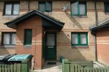 Flat to rent in Miles Road Hornsey