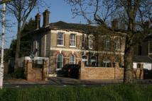 Flat to rent in Forest Drive Manor Park