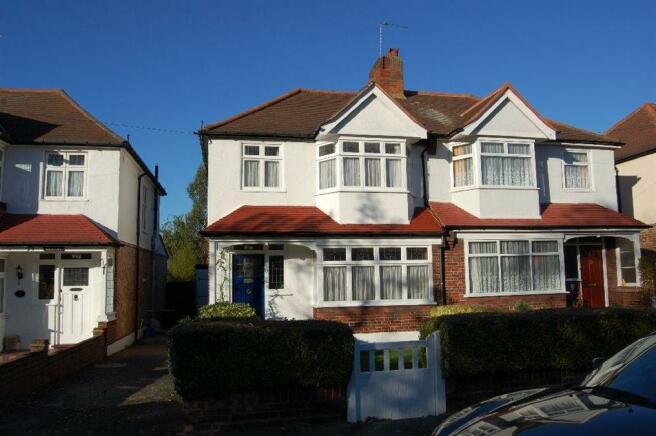 3 Bedroom House For Sale In Leamington Avenue Morden Surrey Sm4