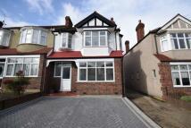 3 bedroom End of Terrace house for sale in Hillside Close, Morden