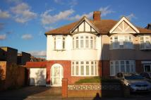 3 bed home in Monkleigh Road, Morden