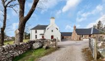 5 bed Detached property in Strathgair House, Strath...