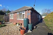 2 bedroom Detached Bungalow in Oldville Avenue, Clevedon