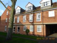 2 bed Flat to rent in Grayburn Court...