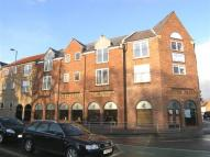 Flat to rent in Regal Court, Beverley...