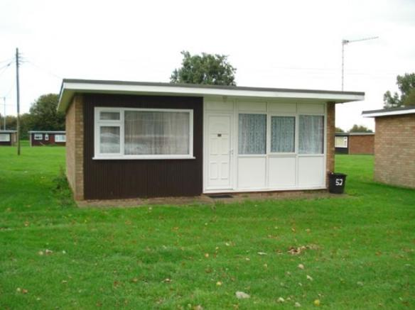 2 bedroom park home for sale in 52 seadell holiday park hemsby great yarmouth norfolk nr29