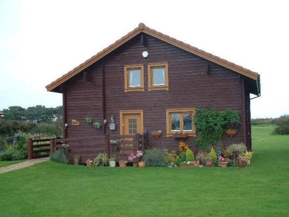 2 bedroom log cabin for sale in 6 fairway lakes caldecott for 2 bedroom log cabins for sale