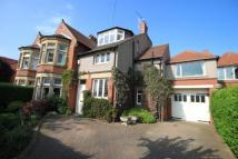 5 bedroom semi detached home in Beverley Road...
