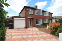 3 bedroom semi detached house in Bromley Avenue...