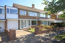 5 bed semi detached property in Woodburn Drive...