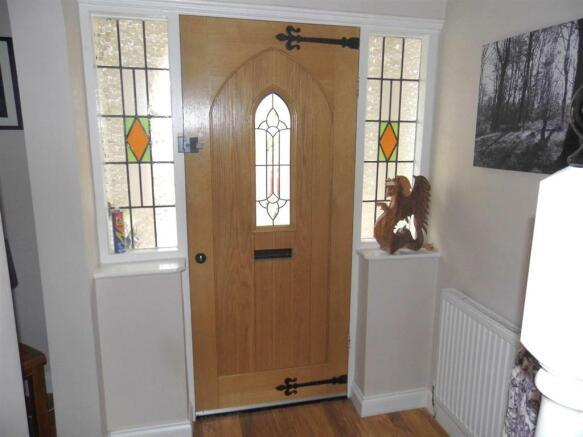 FRONT ENTRANCE DOOR/