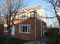 3 bed semi detached house in Earlswood Chase, Pudsey...