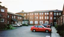2 bed Apartment to rent in Irthlingborough Road...