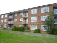 2 bedroom Flat to rent in Padnell Avenue...