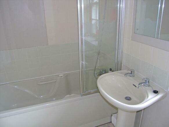 Bathroom - Cottage 2
