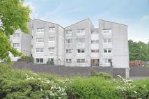 2 bedroom Flat to rent in Allander Road, Milngavie...