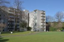Flat in Norwood Park , Bearsden...