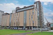 Flat in Glasgow Harbour Terrace ...